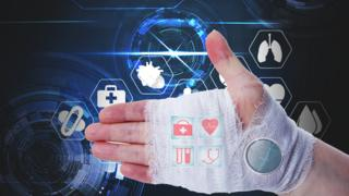 Smart Bandages Monitor Real-Time Wound Healing
